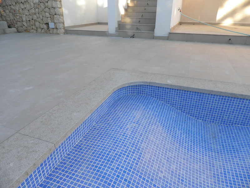 Coronacion piscinas marmoles gata s l for Material de piscina